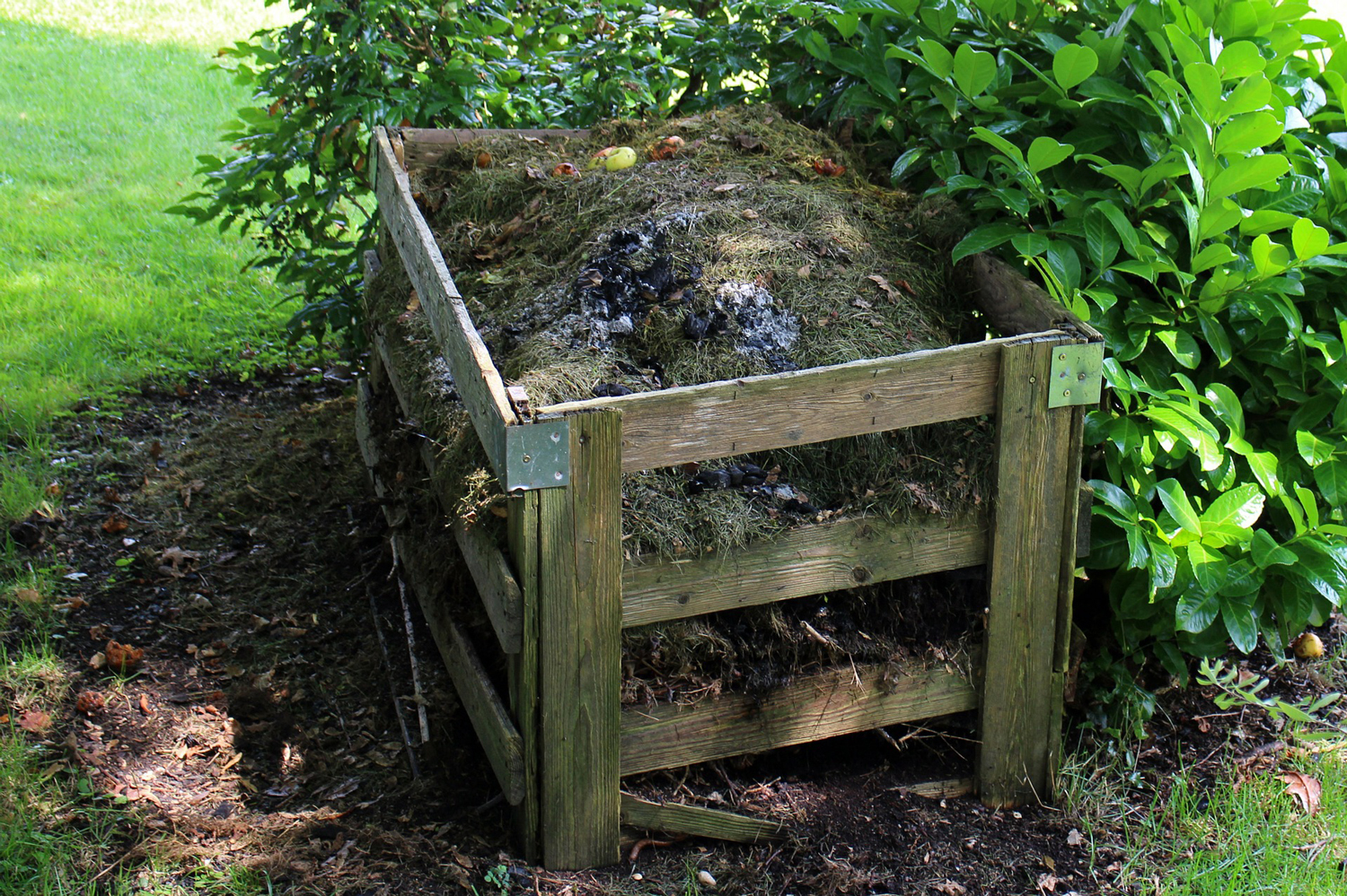composting is part of winterizing a garden